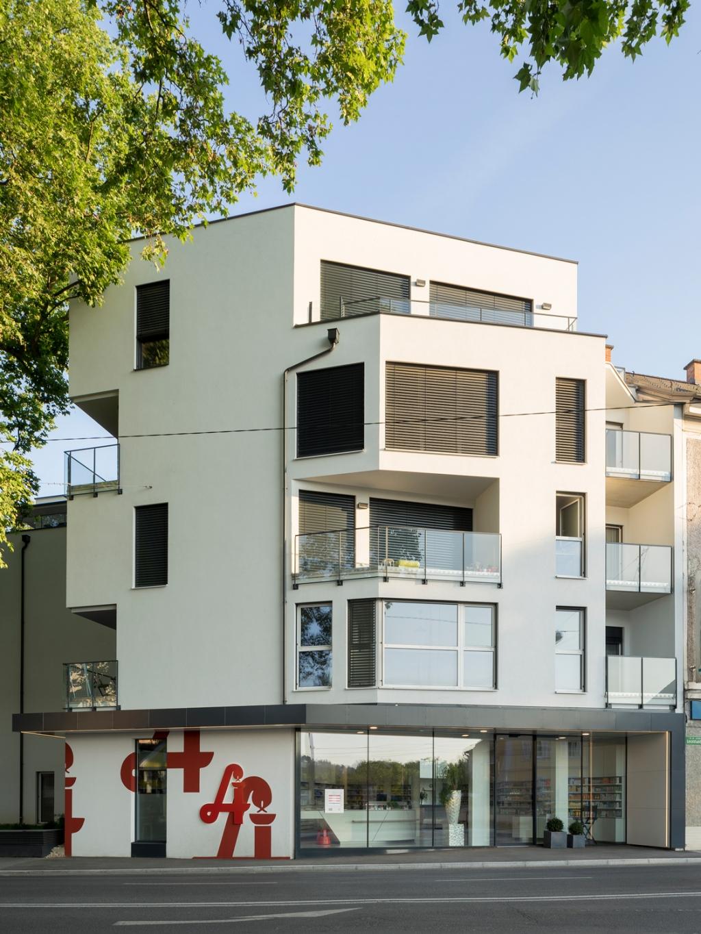 MAXIMILIAN HAIDACHER / PHOTOGRAPHY Apotheke L, Graz