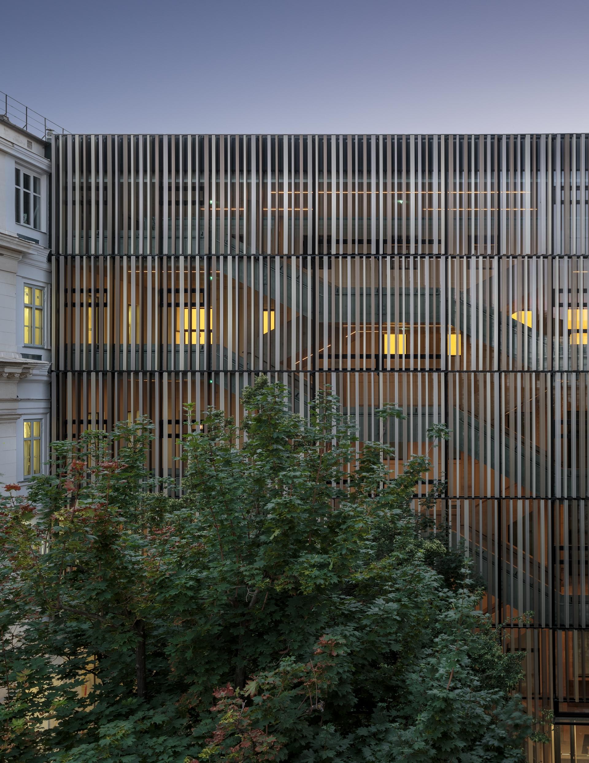 MAXIMILIAN HAIDACHER / PHOTOGRAPHY Technische Universität Wien, Stiege 10